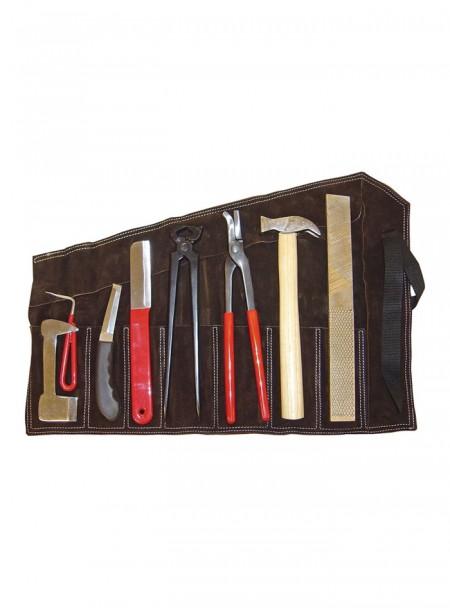 Універсальний набір інструментів для коваля 8 в 1 «Farrier» від бренду Harry's Horse< Фото